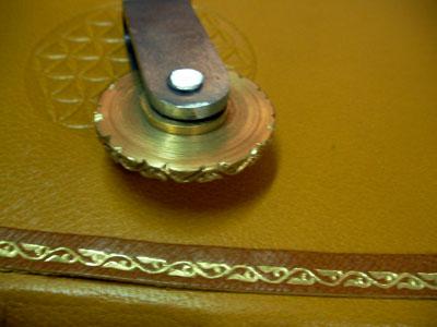 Materiales y herramientas de encuadernacion